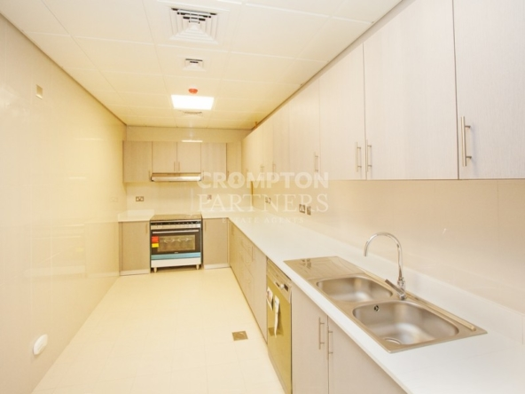 Spacious Sea View Apartment with Maid's Room