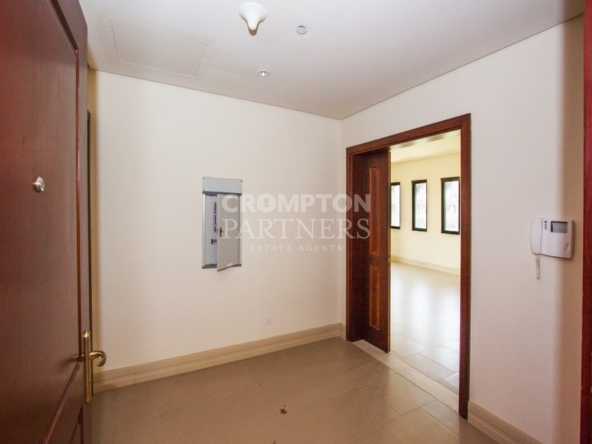 10% Discount|Spacious Family Home|Stunning Views